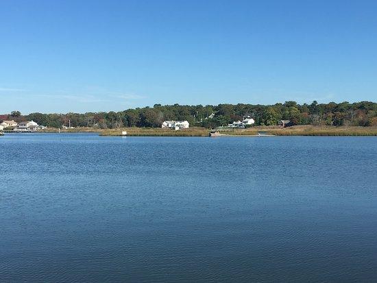 Hampton Bays, NY: Enjoy our bay