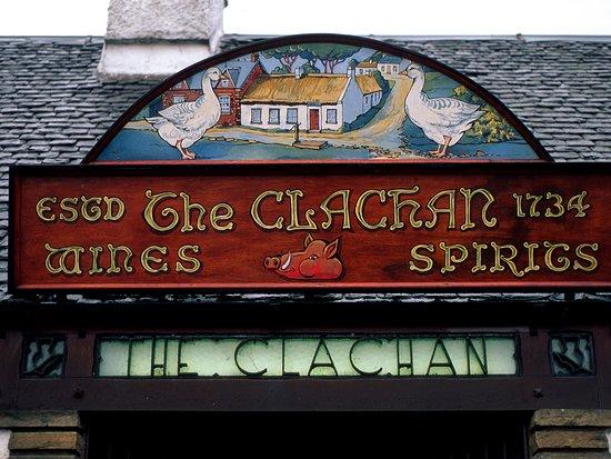 The Clachan Inn, Drymen, © VisitScotland