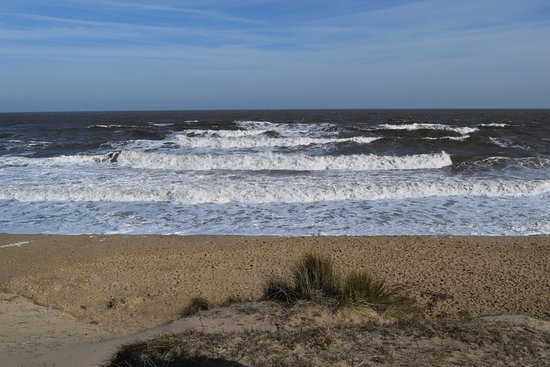 Winterton-on-Sea, UK: Rough waves before the snowstorm