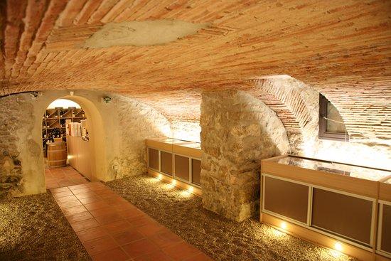 Narbonne, France: Cave Souterraine