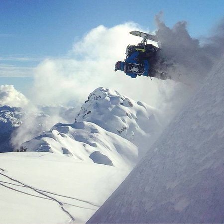 Pemberton, Canadá: We rent Turbo Sleds!