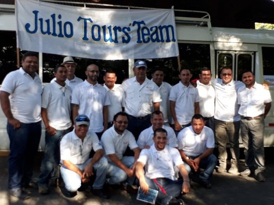Julio Tours Nicaragua - Day Tours: Julio tours staff