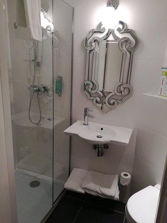 Hotel Elysee Gare de Lyon: IMG_20180227_203759_large.jpg