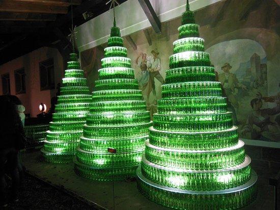 Decorazioni Bottiglie Natalizie.Decorazioni Natalizie Con Bottiglie Forst Foto Di Forst Brewery