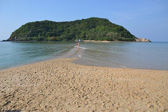 หาดแม่หาด