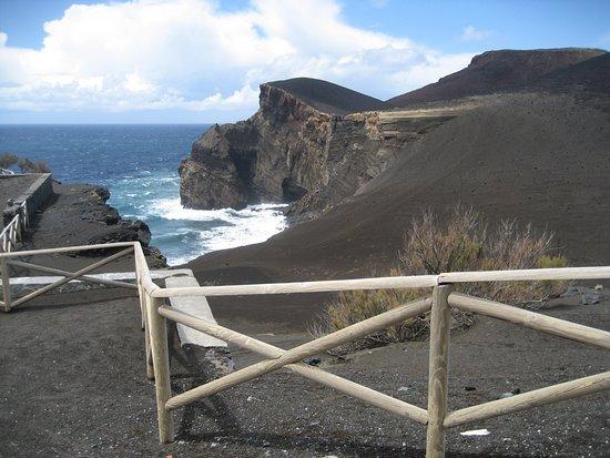 """Faial Island, Portugal: """"Terra"""" que se formou durante a última erupção"""