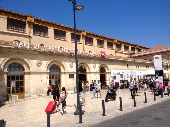 Gare st charles marseilles train station picture of gare - Navette gare saint charles port marseille ...