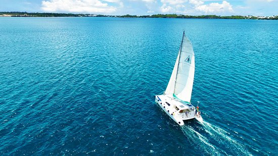Paget, Islas Bermudas: Sailing in the Great Sound on Wyuna