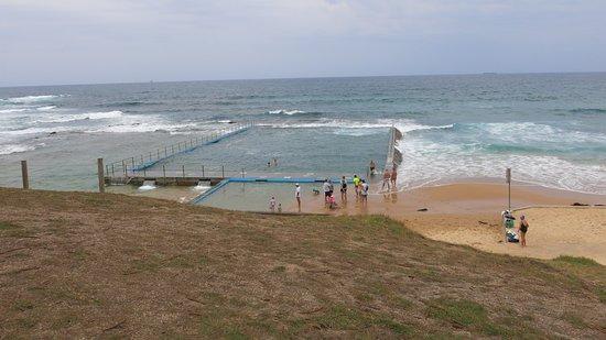 Bulli Beach Cafe: Bulli beach pool from the Cafe