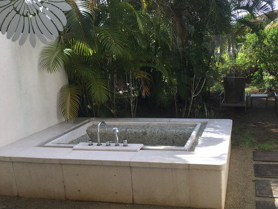 Sofitel So Mauritius: This Is The Outside Bath