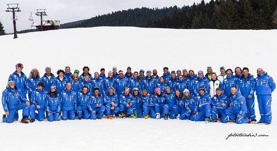 Andalo, Italie : Maestri della Scuola Italiana sci Dolomiti di Brenta