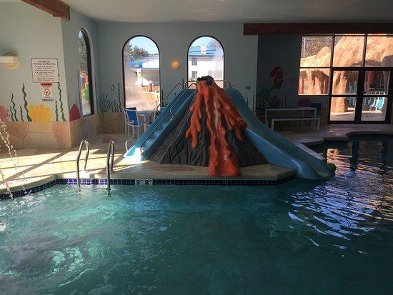 Atlantis Waterpark Hotel Suites