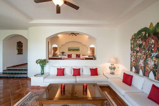 Hacienda Todos Los Santos: Suite San Juan Diego Sitting-area.