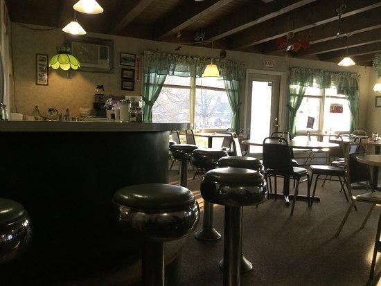 Elizabethtown, NY: dining room