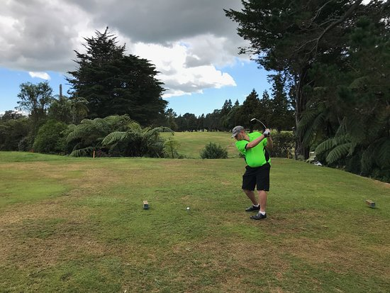 New Plymouth, Yeni Zelanda: Great short par 4 13th. A real risk and reward hole!