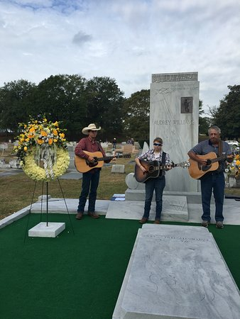 Hank Williams Memorial - Oakwood Annex Cemetery: The Shepherd Family sings at the Memorial services every Jan 1 and in Sept for Hank's birthday.