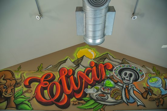 Elixir Bar and Grill: Dining Area Artwork
