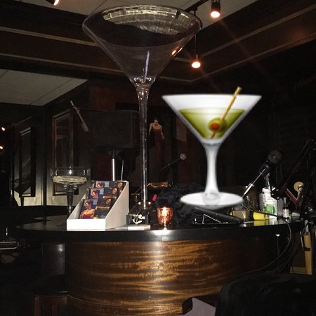 Blackwater Lounge: photo0.jpg