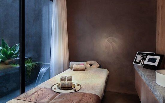 Hotel Claris: Guest room