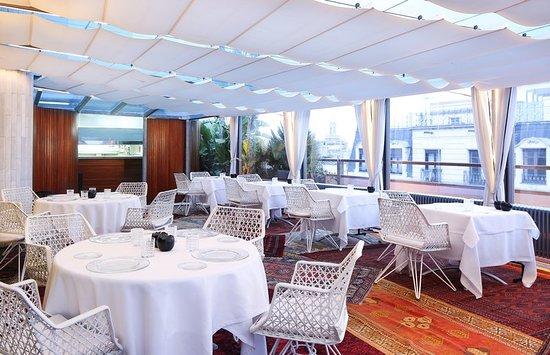 Hotel Claris: Restaurant