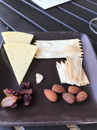 Rutherford, CA: Pitiful cheese and cracker plate