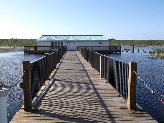 Pier II Resort: Boathouse Lounge