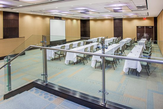Glen Ellyn, IL: Meeting room
