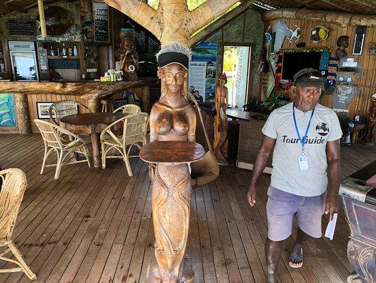 Gizo, Νήσοι Σολομώντος: Dockside bar area.