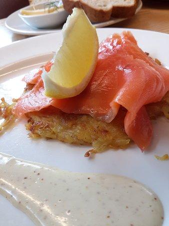 Suter Art Gallery Cafe: Smoked salmon