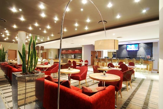 Holiday Inn Express Sandton-Woodmead: Lobby