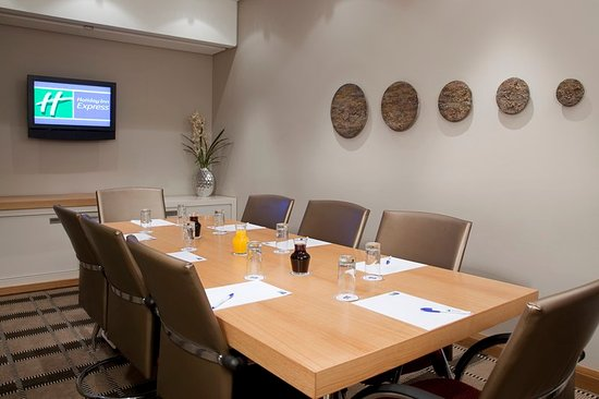 Holiday Inn Express Sandton-Woodmead: Meeting room