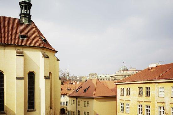 Maximilian Hotel: Exterior