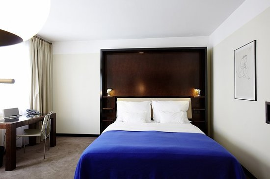 Maximilian Hotel: Guest room