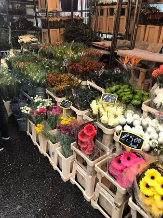 Columbia Road Flower Market: One of the stalls