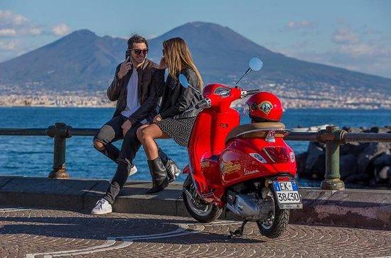 Tour de Vespa em Nápoles com...