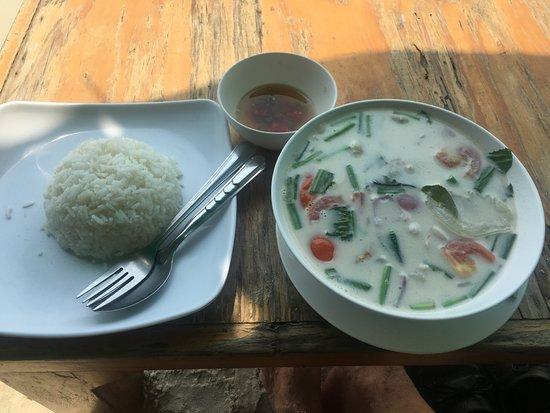 Saikaew Villa: Excellent Thai Fish Soup in Coconut Milk