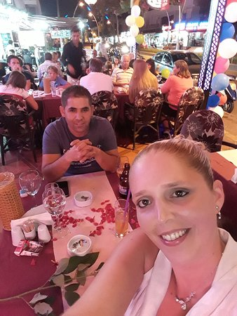 Leon Restaurant: 20170808_221220_large.jpg