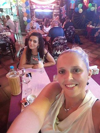 Leon Restaurant: 20170725_213342_large.jpg