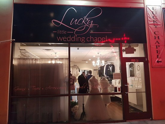 Vegas Wedding Picture Of Lucky Little Chapel Downtown Las