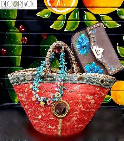 100% originale negozio di sconto bellissimo stile coffa siciliana con pizzo color corallo borsa dipinta a mano ...