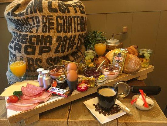 Koffiehuis Ristretto: Midi ontbijt voor 2 personen.