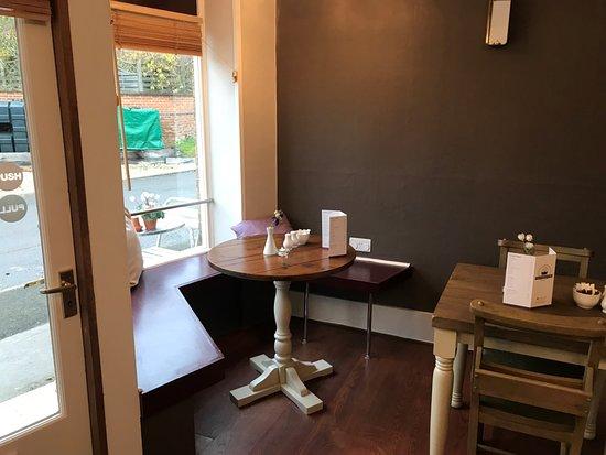 Cropredy, UK: Inside the cafe.