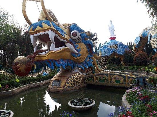 Linh Quang pagoda
