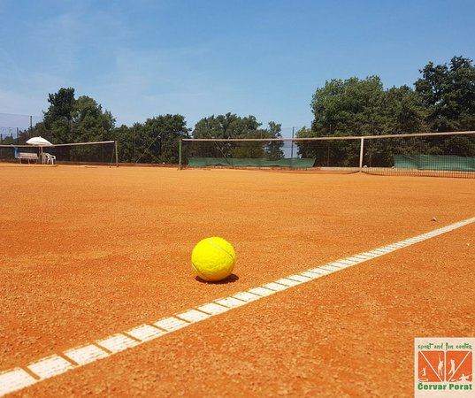 Cervar Porat, Croatia: Tennis courts.