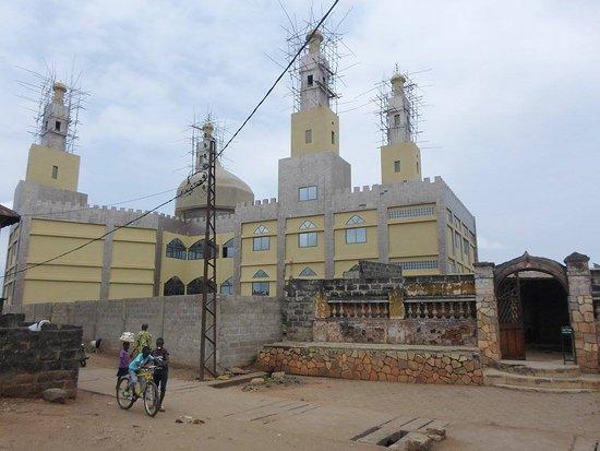 Oueme Department, Benin: mosquée du grand marché à porto_novo