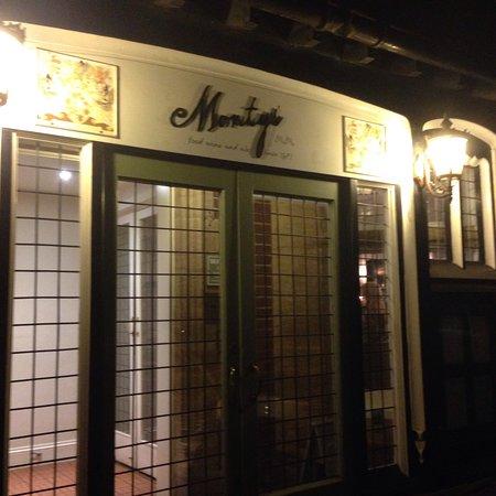 Monty's Inn: photo0.jpg