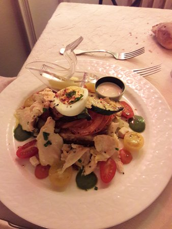La Cour D'Eymet: Une très belle entrée : tartelette aux petits légumes et foie gras