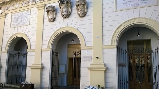 Capua, Italy: facciata palazzo