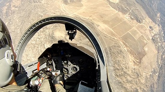 Sankt Stephan, Schweiz: Beginning a dive from 15,000 ft on my ride in the L-39 Albatros jet fighter.