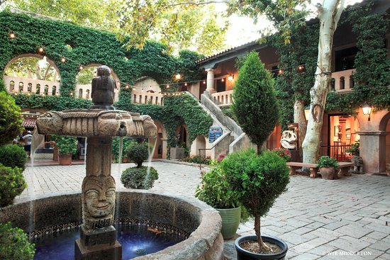 Tlaquepaque Arts & Shopping Village